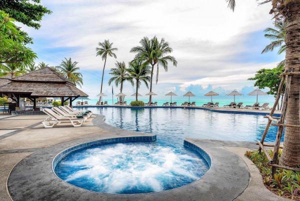 諾拉海灘度假村 (Nora Beach Resort & Spa)
